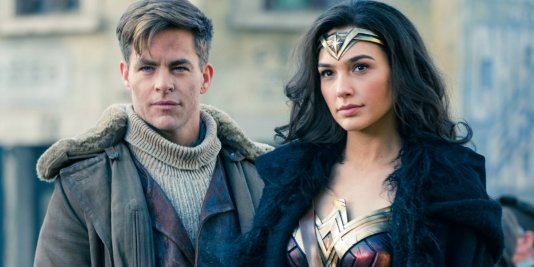 Chris-Pine-and-Gal-Gadot-in-Wonder-Woman.jpg