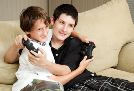 10a-sibling-effect-video-game_000016606359_Small